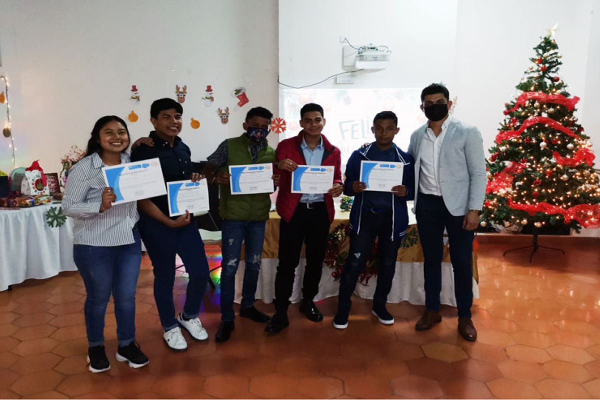 Young adults from the Salesforce mentorship program in Latin America